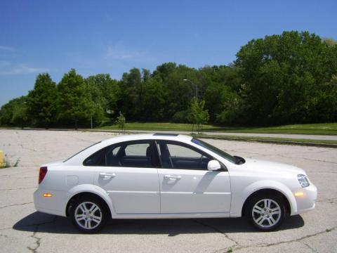 Absolute White 2006 Suzuki Forenza Sedan with Grey interior Absolute White