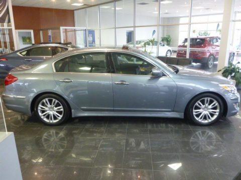 Hyundai Genesis 3.8 Sedan